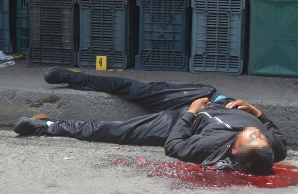 Ejecutan a joven y su pareja queda herida en Xochimilco