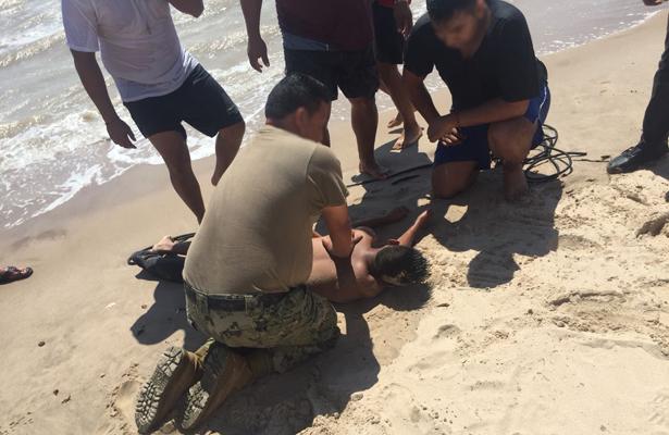 Lo salvan de ahogarse a menor, en Cabo San Lucas