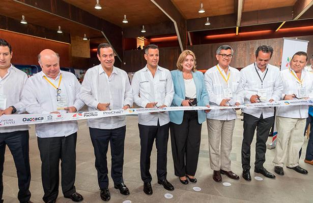 Reiteran a EPN, antropólogos argentinos, que no fueron incinerados los 43 normalistas