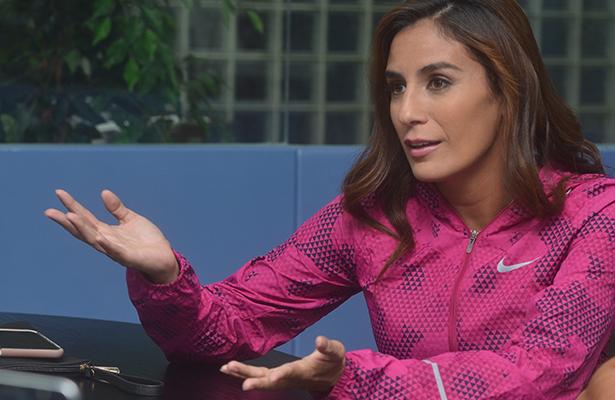 Paola Espinosa, madre, esposa y gran atleta