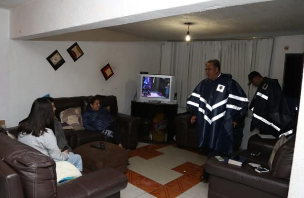Desalojan a 20 familias por desbordamiento de la Presa Tacubaya