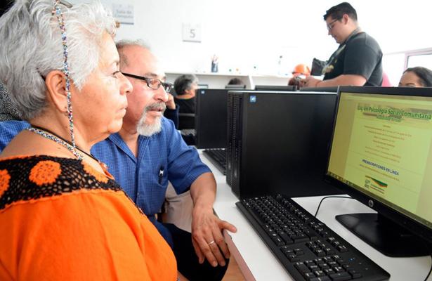 Pone en marcha el ISSSTE licenciatura en línea para adultos mayores