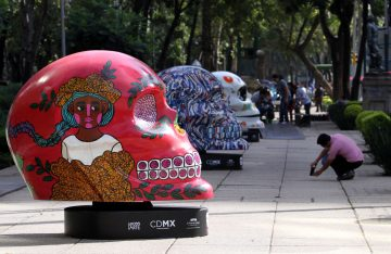 """Inauguran exposición """"Mexicráneos"""" en Paseo de la Reforma"""