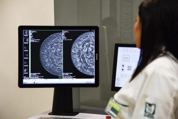 Senado se suma a la lucha contra el cáncer de mama