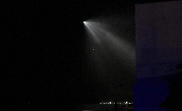 Extraña luz surcó el cielo en el noreste de México [VIDEO]