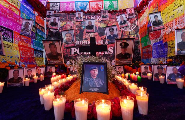 La SSP celebra el día de muertos y reconoce a los policías caídos en cumplimiento del deber
