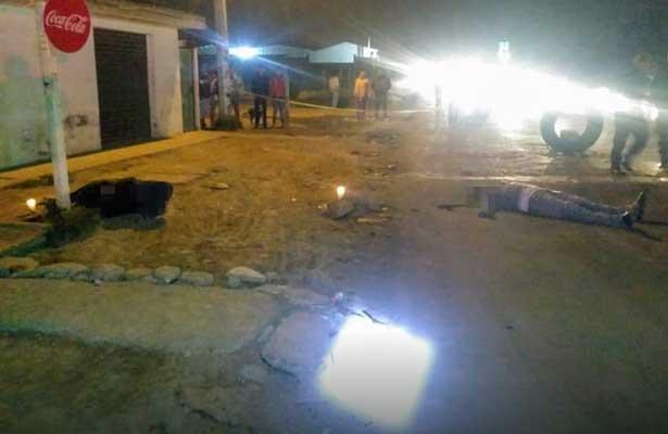 Hallan dos sujetos ejecutados sobre la carretera Teoloyucan-Huehuetoca