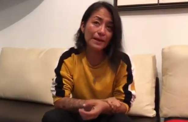 Agreden policías a Amalia Ortiz Cortez durante concierto de Telehit [VIDEO]