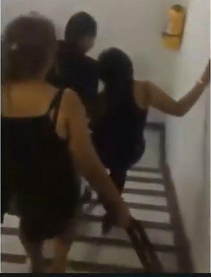 Agarran a cinturonazos a niña por ir a fiesta