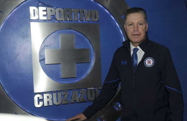 Peláez empieza a emocionarse con el título del Cruz Azul