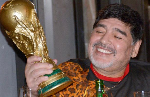 Maradona recauda fondos para damnificados en Sinaloa