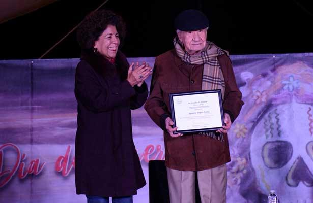 La película Macario e Ignacio López Tarso, reconocidos por la alcaldesa de Tlalpan