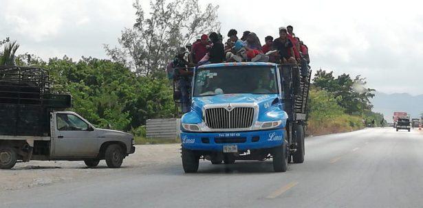 Inicia caravana de migrantes rumbo a Matias Romero y luego Veracruz