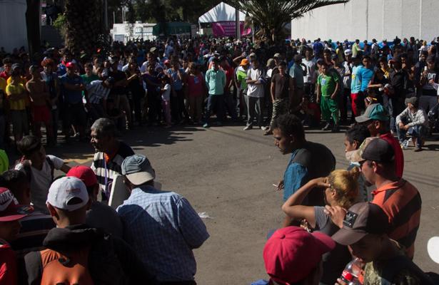 Rebasan migrantes el cupo de albergue en el deportivo Magdalena Mixhuca