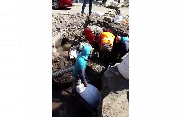 Piden que reparen fuga de agua en la San Rafael, delegación Cuauhtémoc