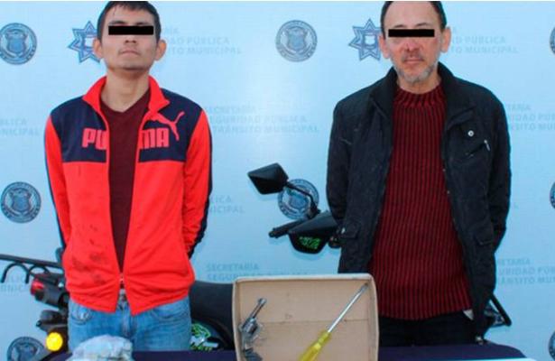 ¡Pecadores! Los agarran por robar casa de sacerdote en Puebla