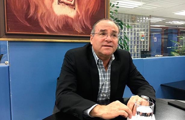 Golpea a empresas retener IVA e ISR: Rafael Lores