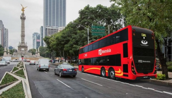 Metrobús anuncia cortes en Línea 7 por paseo nocturno