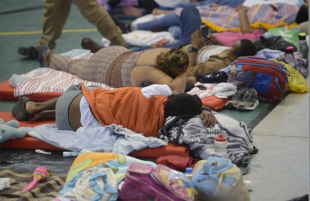 """Mas de 470 migrantes reciben ayuda humanitaria en el Estadio Martínez """"Palillo"""""""