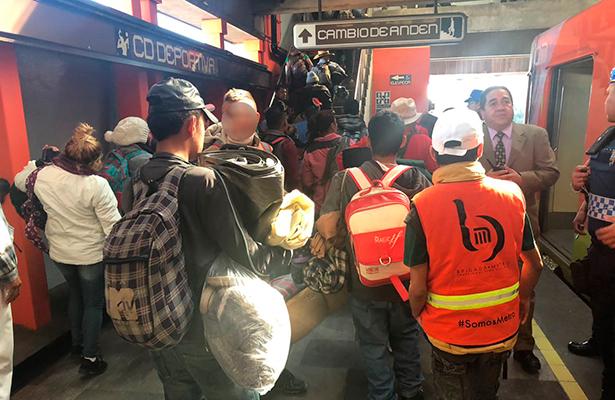Apoya el metro a integrantes de la caravana migrante