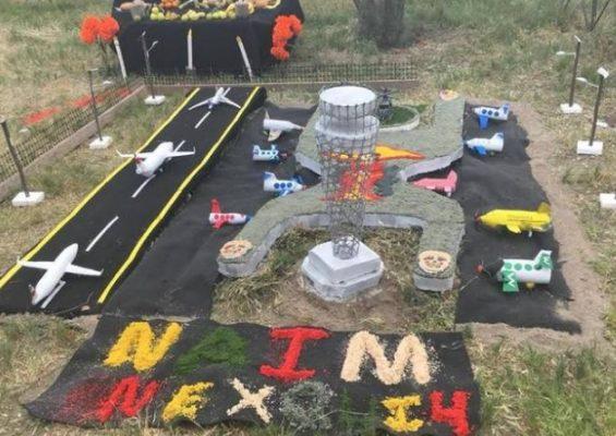 Recuerdan al NAIM en Día de Muertos
