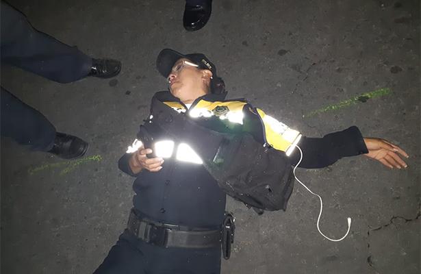 """Somete; le aplica la """"china"""" y azota a mujer policía y se da a la fuga"""