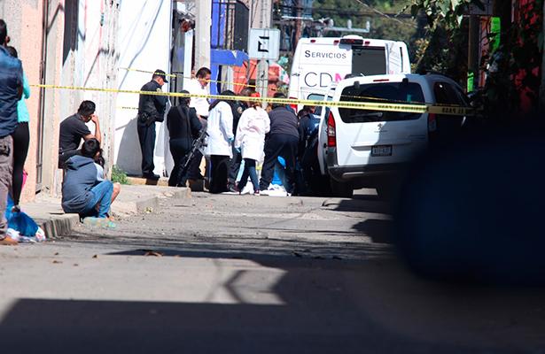 Le meten diez balazos a bordo de camioneta en Xochimilco