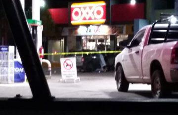 Ejecutan a cinco jóvenes en gasolinería de Fresnillo