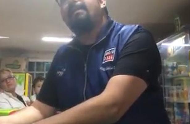 Perro necio crea riña entre vecinos de Coacalco (VIDEO)