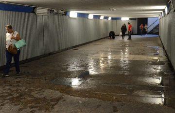 Aguas pestilentes en el Metro