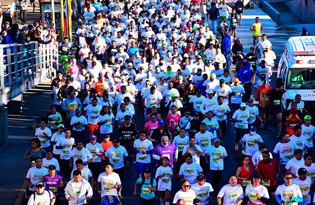 Más de 5 mil participaron en la 12ª Carrera Internacional 10 KM V. Carranza