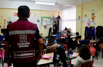 Alcaldía Cuauhtémoc imparte pláticas en primarias para prevenir el delito