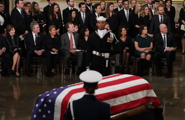 Tras un adiós solemne, Bush fue enterrado en Texas