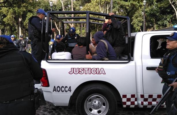 Retiran a franeleros en Álvaro Oregón