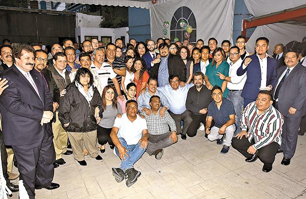 La familia OEM celebró el fin de año en amena reunión