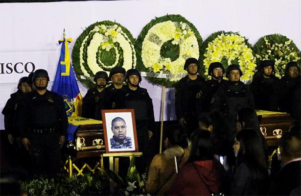 Rinden homenaje a policías caídos en Jalisco