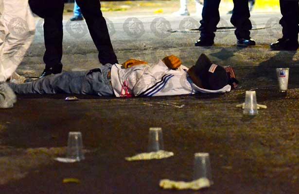 De 15 plomazos matan a joven en la Álvaro Obregón