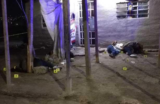 Plomiza en Neza deja tres muertos; dos eran mujeres