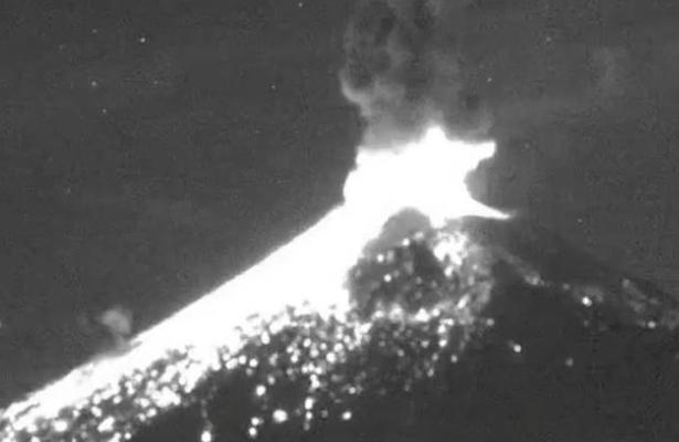 Así fue la intensa explosión que se registró en el Popocatépetl (VIDEO)