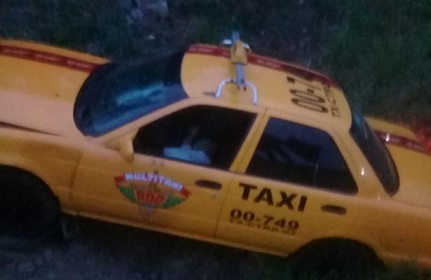 Muere taxista tras salirse de la carretera en San Bartolo Coyotepec