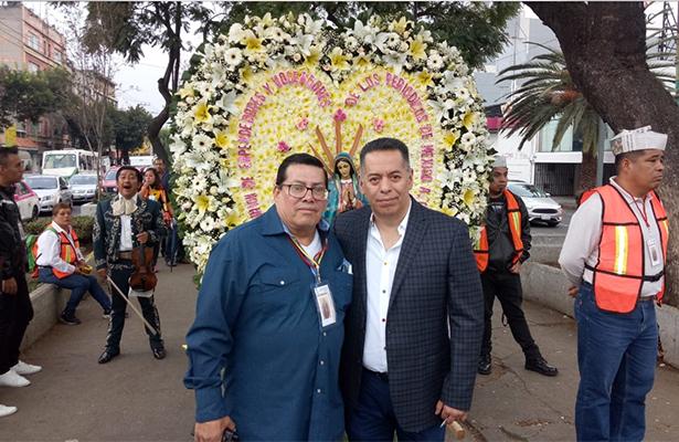 Voceadores acuden a dar gracias a la Virgen de Guadalupe
