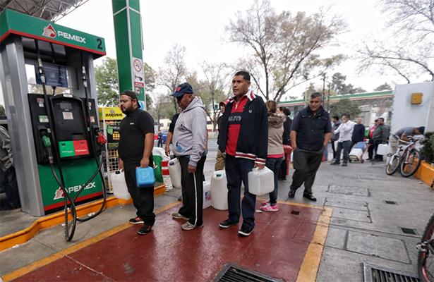 Proponen cargar gasolina una vez a la semana