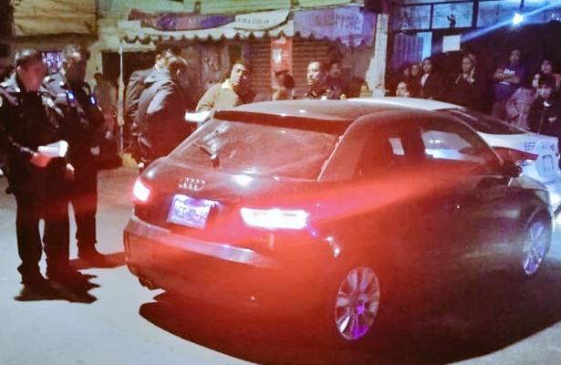 Lo ejecutan a tiros dentro de su lujoso auto en Coyoacán