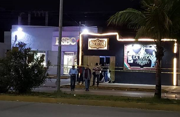 Cinco muertos y doce heridos deja como saldo balacera en Cancún