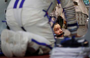 Dos astronautas listos para volar hacia la Estación Espacial Internacional