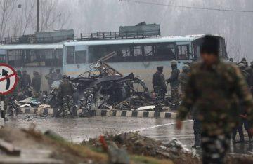 Al menos 33 muertos por atentado con coche bomba en la India