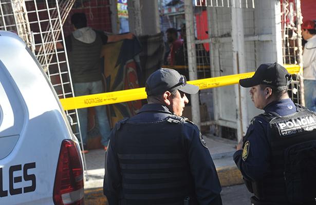 Al oponerse a ser secuestrado le cortan el cuello en Tepito