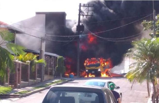 Explota pipa de gas LP  mientras abastecía casa en Tampico