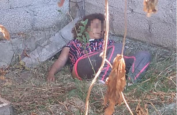 Encuentran cadáver de mujer en terreno baldío de Ecatepec