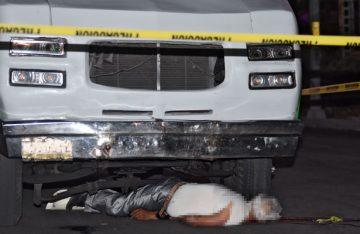 Micro arrastra a la muerte a viejito en paradero de Taxqueña